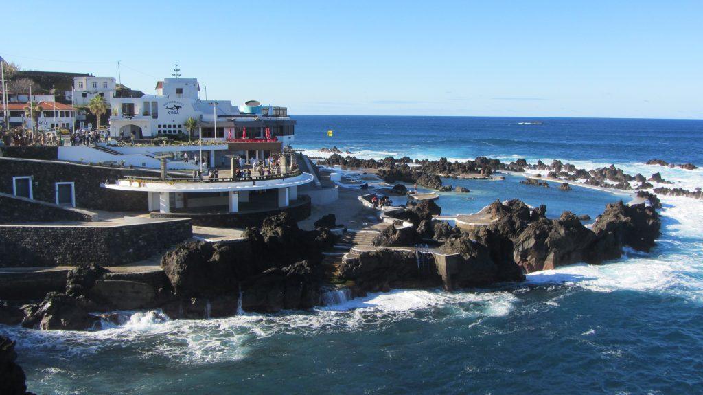 Salt-Sea-Water-Pools-in-Porto-Moniz-min